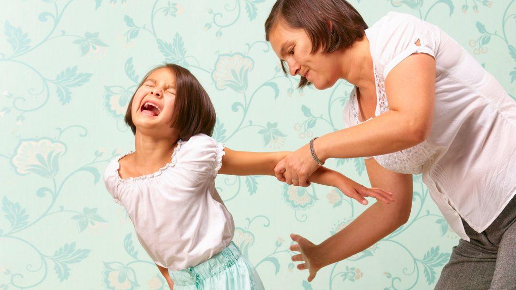 Dar Nalgadas a tu Hijo Puede Tener Efectos Negativos de Personalidad y Reducir su Coeficiente Intelectual