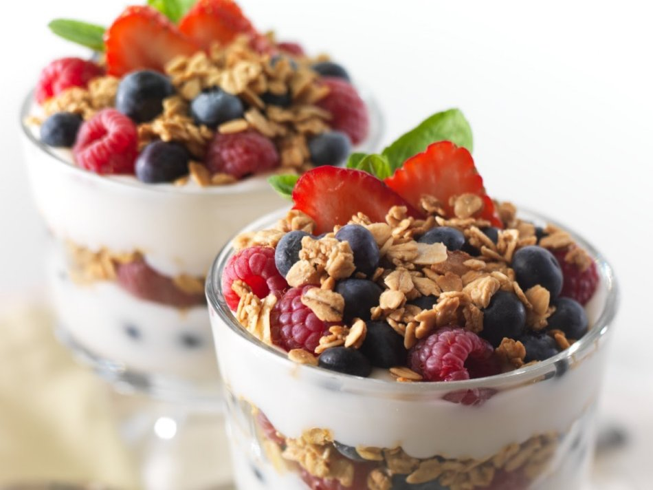 Yogur griego con frutas
